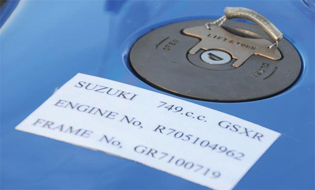 1985 Suzuki GSX-R750 4. İçerik Fotoğrafı