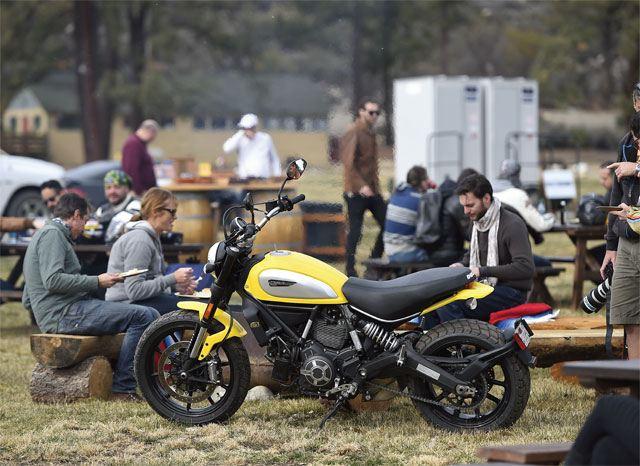 2015 Ducati Scrambler 5. İçerik Fotoğrafı