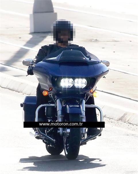 2015 Harley-Davidson Road Glide Kameralara Yakalandı 2. İçerik Fotoğrafı