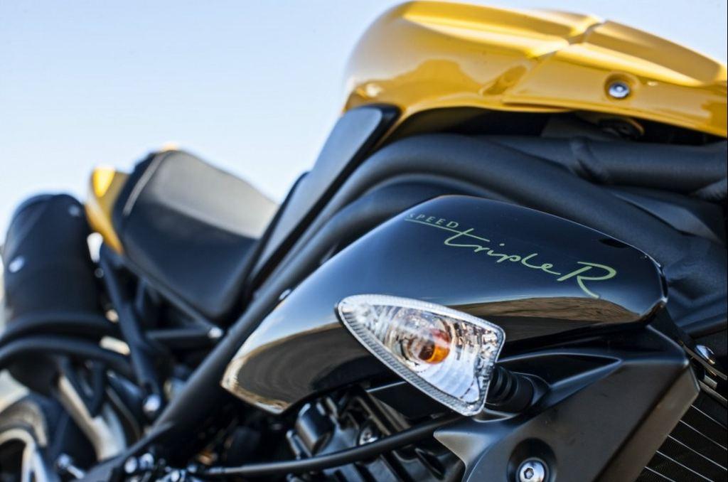 2015 Triumph Speed 94 ve 94R Duyuruldu! 2. İçerik Fotoğrafı
