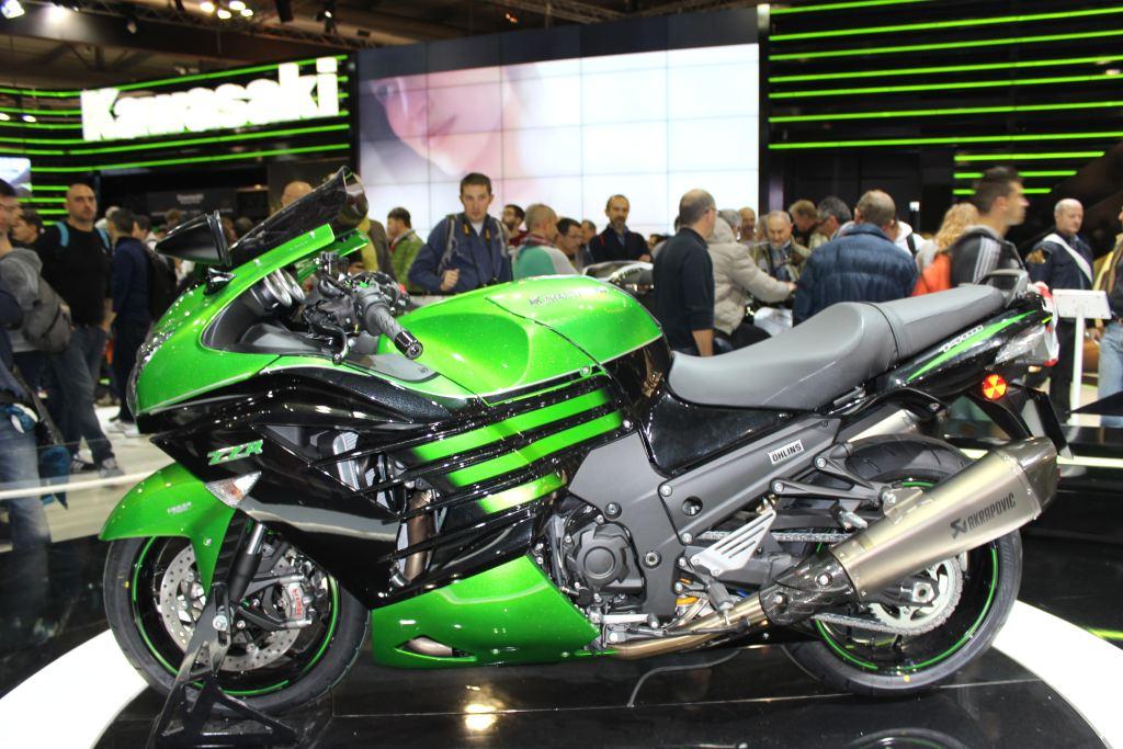 2016 Kawasaki ZZR1400'ün Gücü Azaltılıyor!  1. İçerik Fotoğrafı