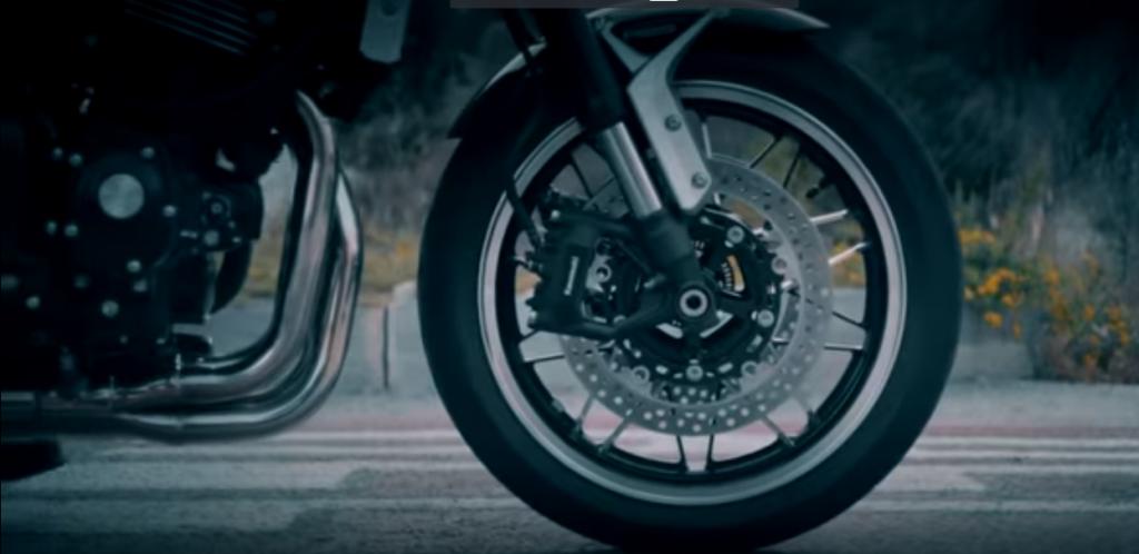 2018 Kawasaki Z900RS İçin İkinci Video!  4. İçerik Fotoğrafı