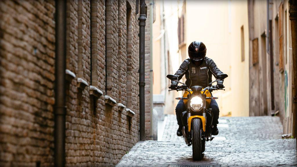 25. Yıl Dönümü Onuruna Yeni Ducati Monster 821!  12. İçerik Fotoğrafı