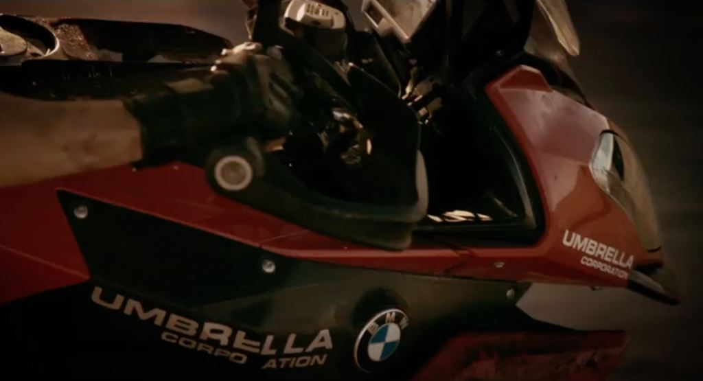 BMW Motorrad, BMW S 1000 XR ile Yine Beyaz Perdede! 3. İçerik Fotoğrafı