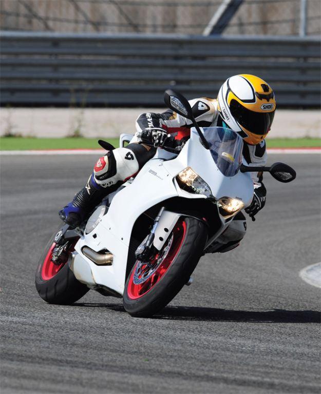 Ducati 899 Panigale - MV Agusta F3 800 3. İçerik Fotoğrafı