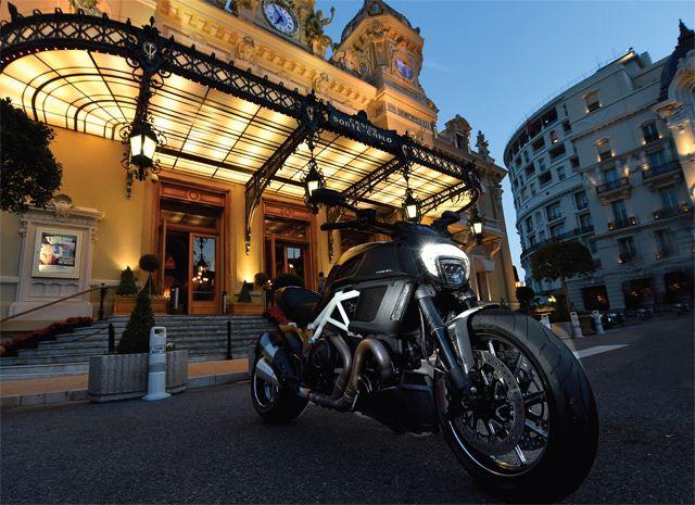 Ducati Diavel 2014 3. İçerik Fotoğrafı