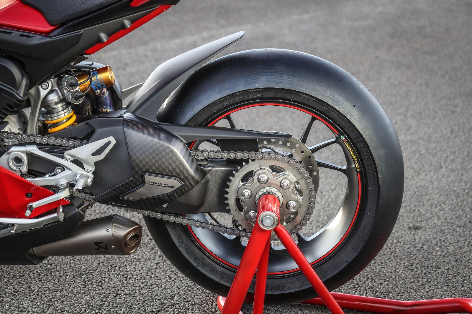 Ducati Panigale V4: Gerçekten Efsanesi Kadar İyi Mi? 8. İçerik Fotoğrafı