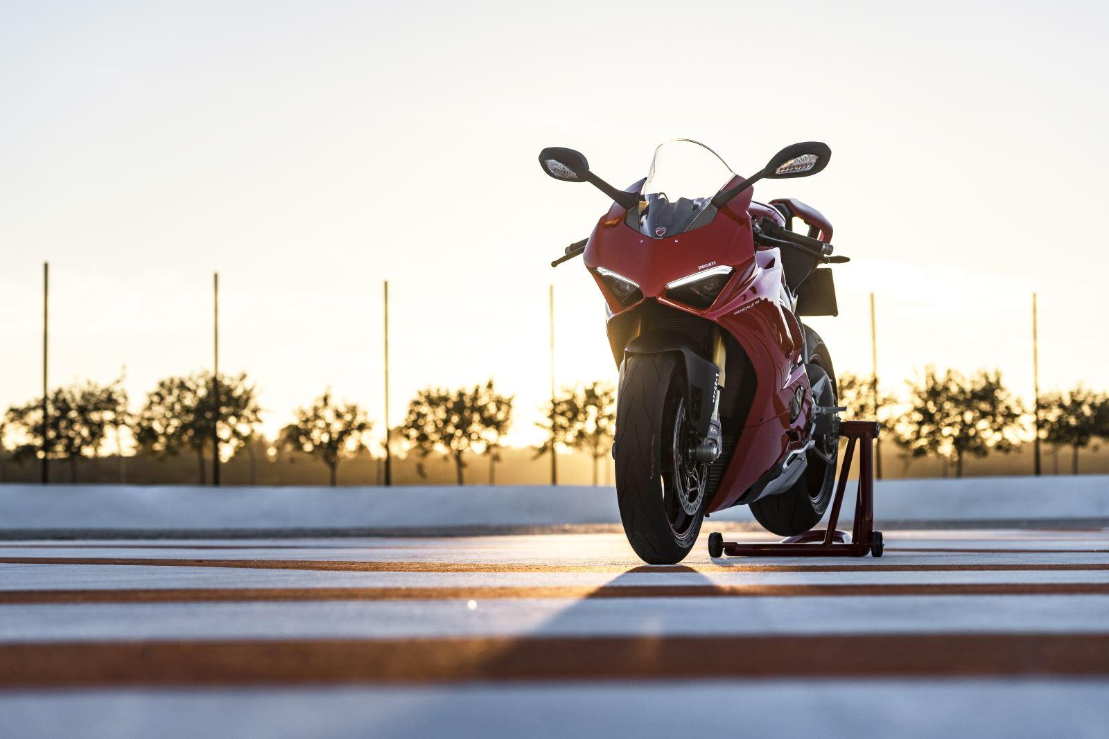 Ducati Panigale V4: Gerçekten Efsanesi Kadar İyi Mi? 15. İçerik Fotoğrafı
