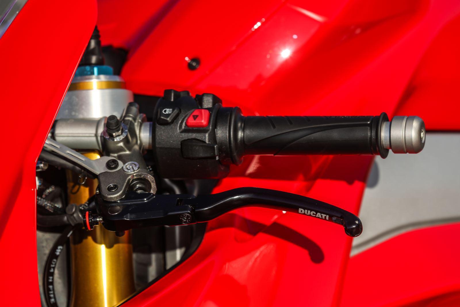 Ducati Panigale V4: Gerçekten Efsanesi Kadar İyi Mi? 9. İçerik Fotoğrafı