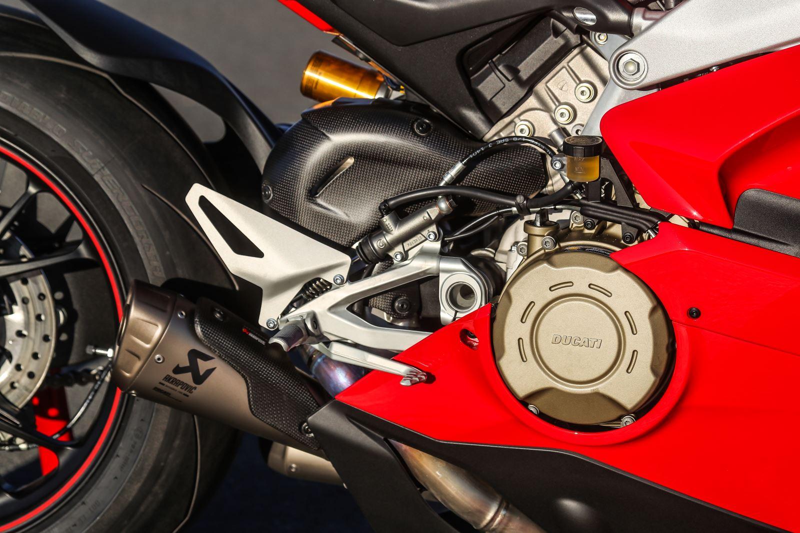 Ducati Panigale V4: Gerçekten Efsanesi Kadar İyi Mi? 12. İçerik Fotoğrafı