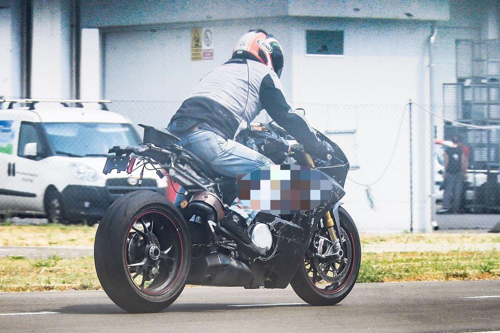 Ducati V4 Superbike Projesi! 3. İçerik Fotoğrafı