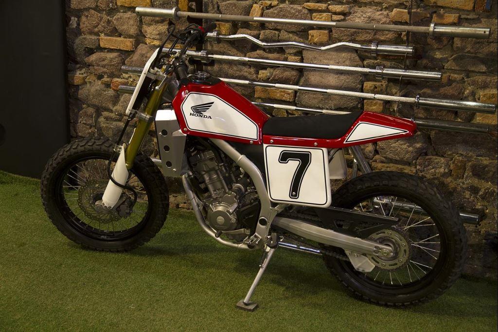Honda CRF250L'ye Yapılmış Müthiş Bir Custom Örneği: S.O.F.T. (Spirit Of Flat Track) 3. İçerik Fotoğrafı