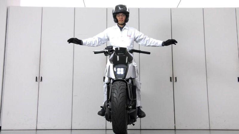 Honda Kendi Kendine Dengede Duran Motosikletin Detayları!  3. İçerik Fotoğrafı