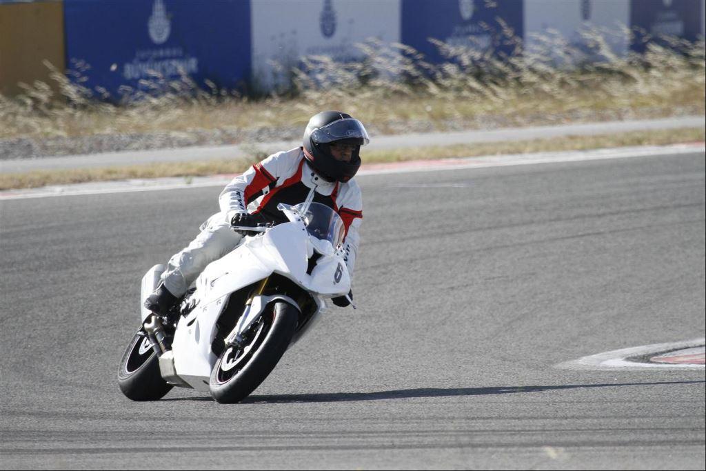 Intercity İstanbul Park Pisti'nden California Superbike School Geçti!  16. İçerik Fotoğrafı