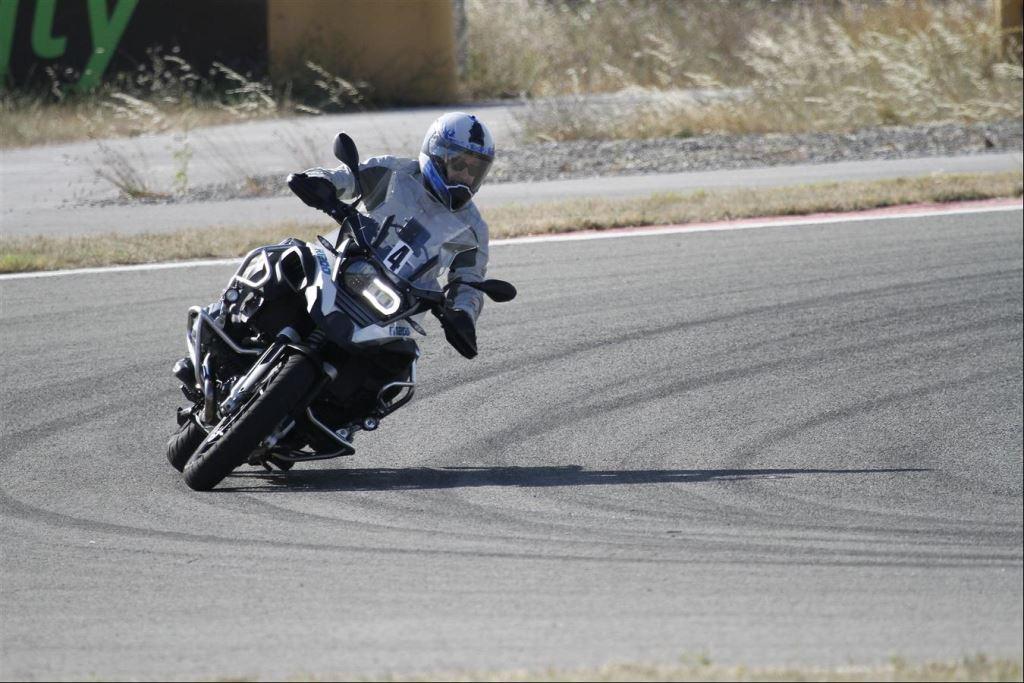 Intercity İstanbul Park Pisti'nden California Superbike School Geçti!  17. İçerik Fotoğrafı