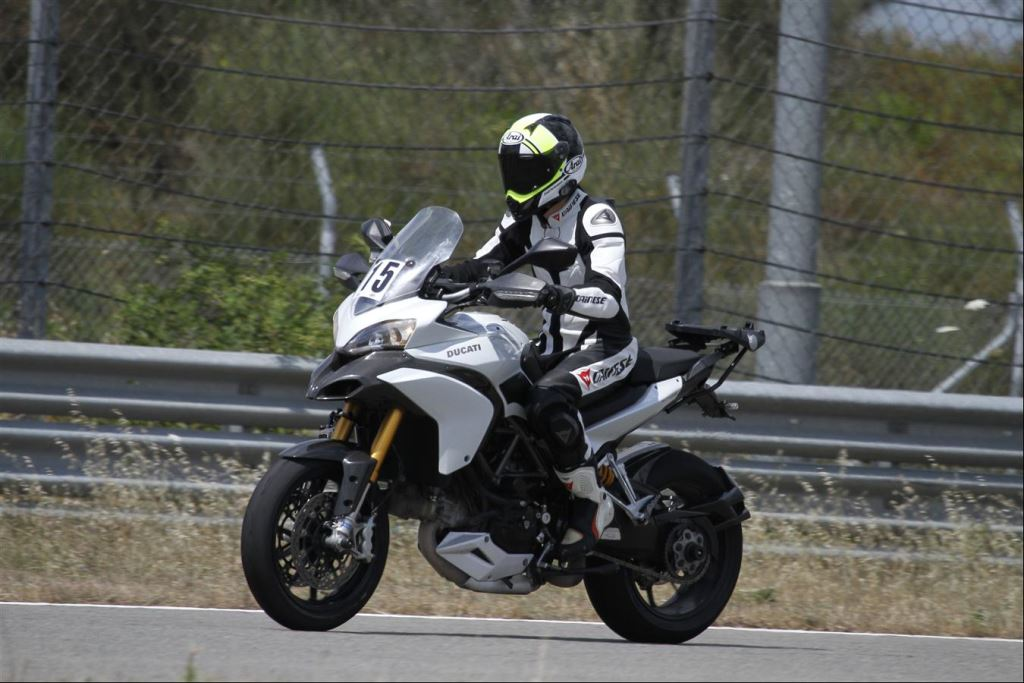 Intercity İstanbul Park Pisti'nden California Superbike School Geçti!  19. İçerik Fotoğrafı