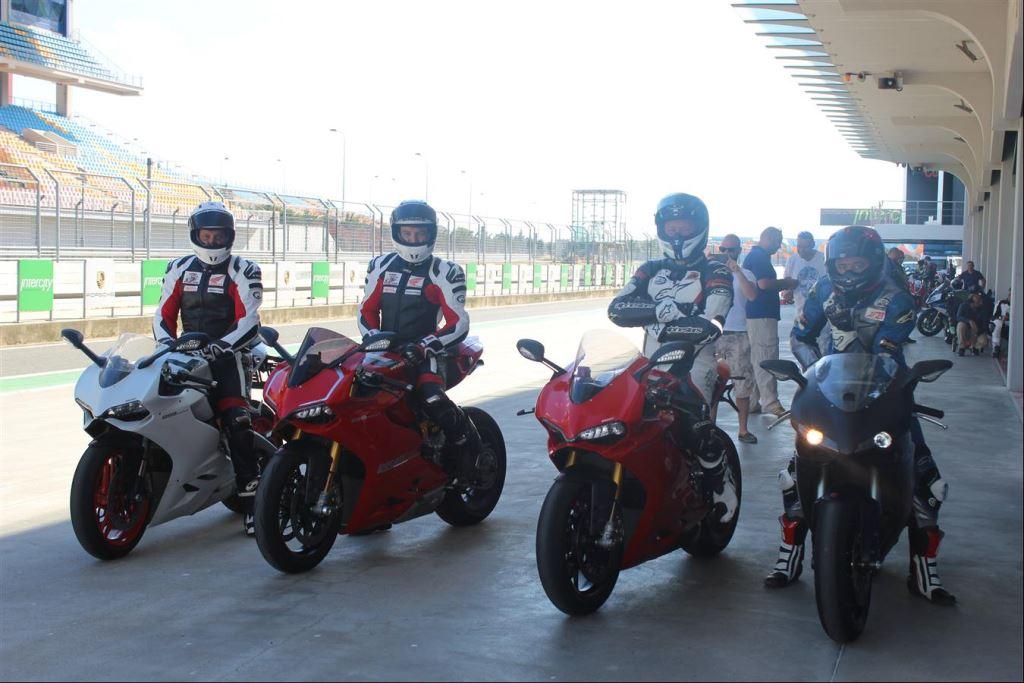 Intercity İstanbul Park Pisti'nden California Superbike School Geçti!  4. İçerik Fotoğrafı