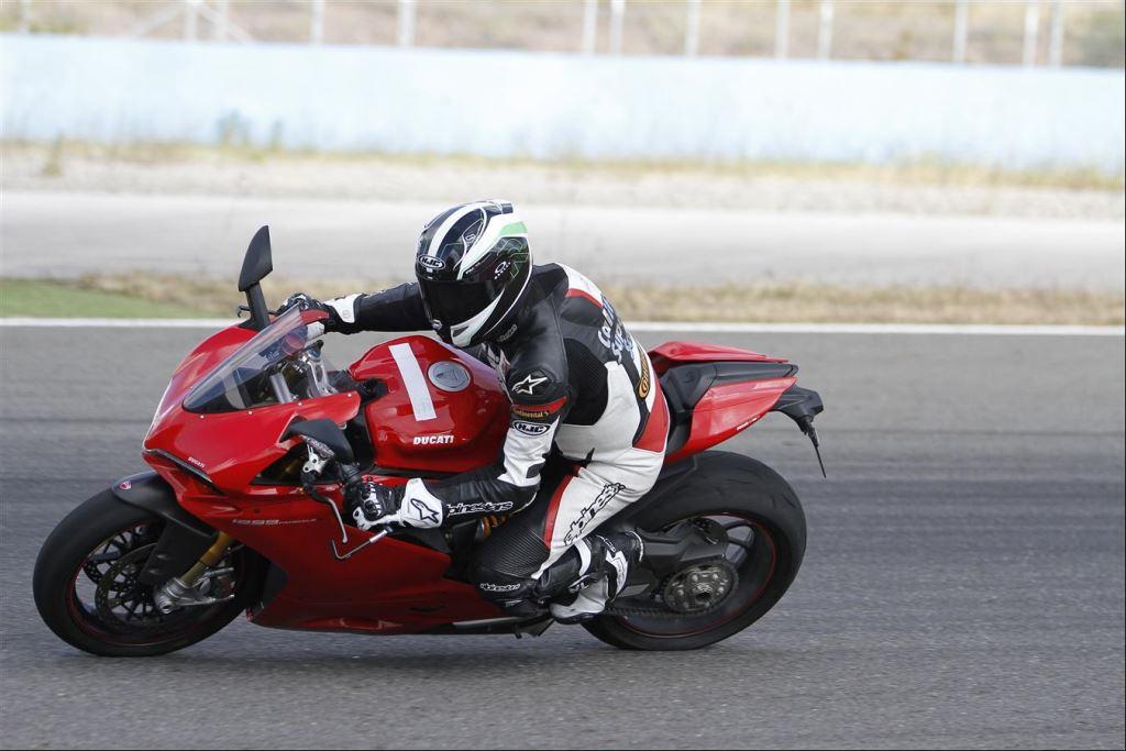 Intercity İstanbul Park Pisti'nden California Superbike School Geçti!  6. İçerik Fotoğrafı