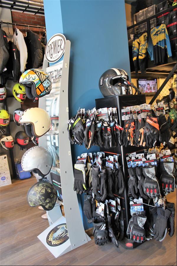 İzmir Motorcu Göçmen Spidi Konsept Store 2. İçerik Fotoğrafı