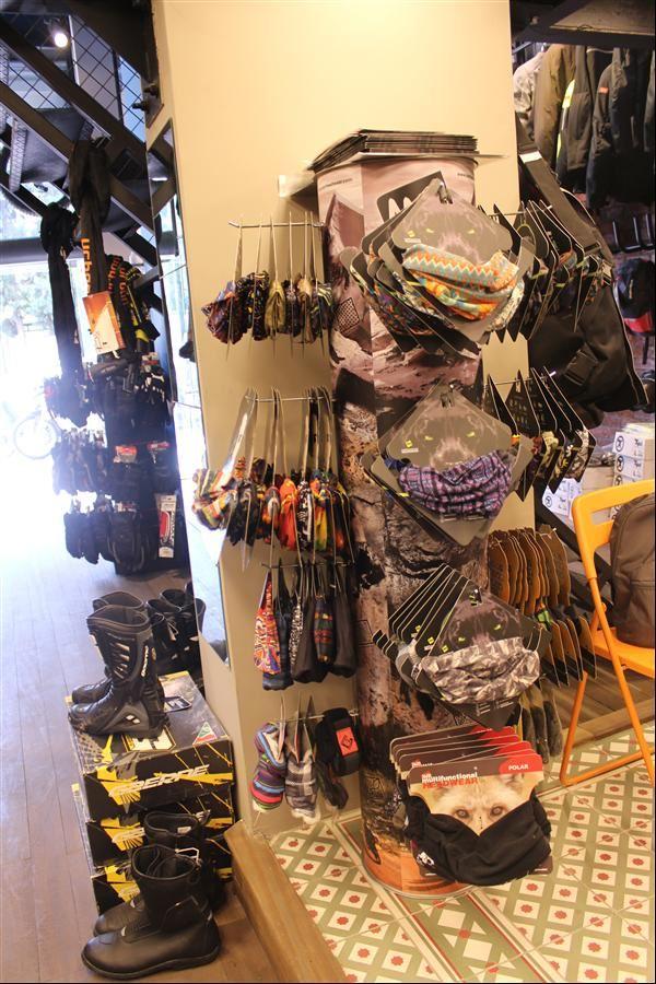 İzmir Motorcu Göçmen Spidi Konsept Store 5. İçerik Fotoğrafı