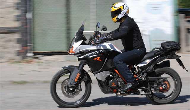 KTM 1190 Adventure R - BMW R1200GS - Ducati Multistrada - Aprilia Caponord 1200 3. İçerik Fotoğrafı