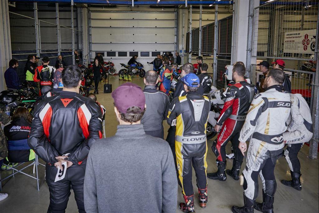 Motoron Motosiklet Pist Günleri ve  Pist Eğitim Günleri ve  Motoron Rider Academy!  1. İçerik Fotoğrafı