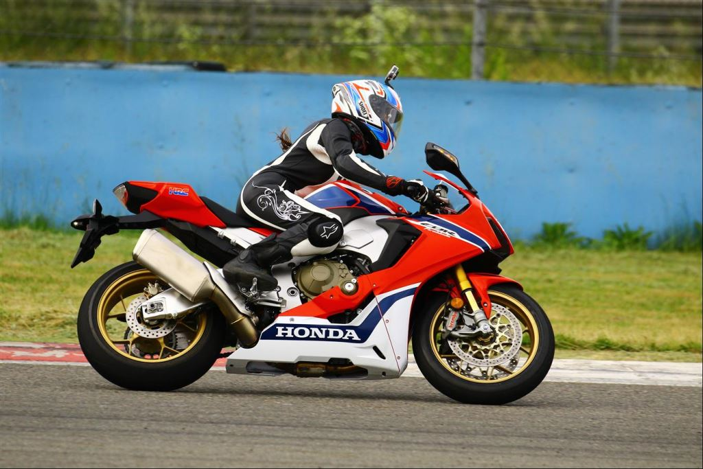 Motoron Motosiklet Pist Günleri ve  Pist Eğitim Günleri ve  Motoron Rider Academy!  10. İçerik Fotoğrafı