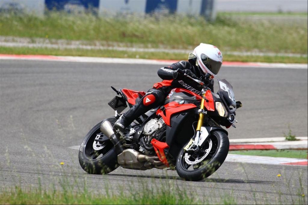 Motoron Motosiklet Pist Günleri ve  Pist Eğitim Günleri ve  Motoron Rider Academy!  11. İçerik Fotoğrafı