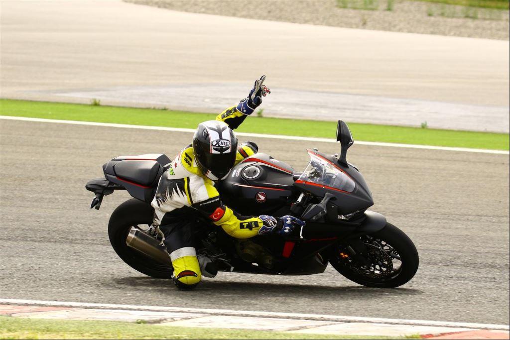 Motoron Motosiklet Pist Günleri ve  Pist Eğitim Günleri ve  Motoron Rider Academy!  14. İçerik Fotoğrafı