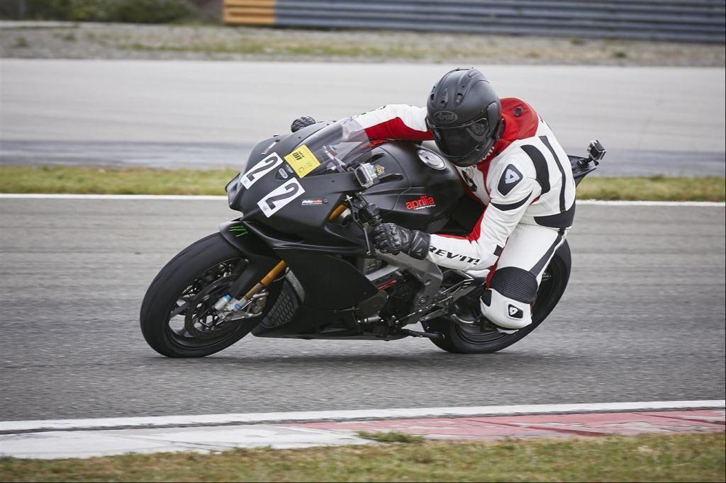 Motoron Motosiklet Pist Günleri ve  Pist Eğitim Günleri ve  Motoron Rider Academy!  4. İçerik Fotoğrafı