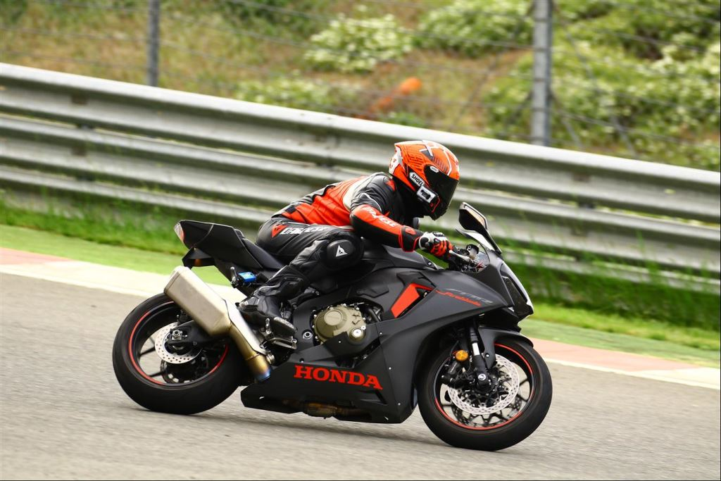 Motoron Motosiklet Pist Günleri ve  Pist Eğitim Günleri ve  Motoron Rider Academy!  8. İçerik Fotoğrafı