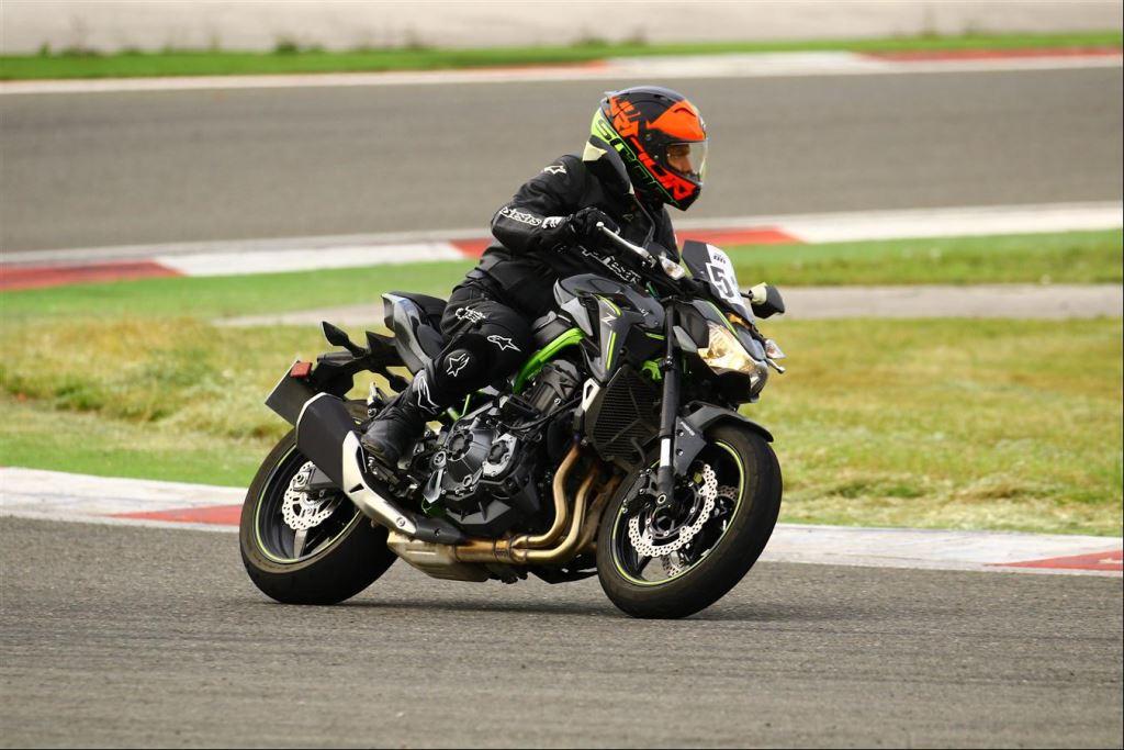 Motoron Motosiklet Pist Günleri ve  Pist Eğitim Günleri ve  Motoron Rider Academy!  9. İçerik Fotoğrafı