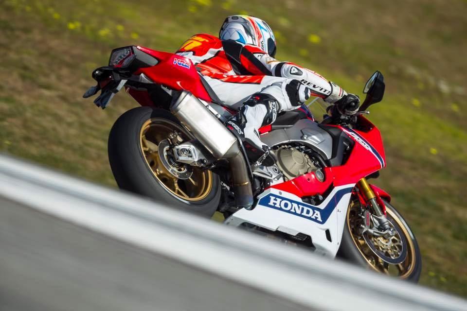 Motoron Rider Academy 2017 Model Honda CBR1000RR'lar ile Pist Eğitimi! 4. İçerik Fotoğrafı