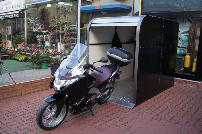 Motosiklet ve Kamp Araçları 3. İçerik Fotoğrafı