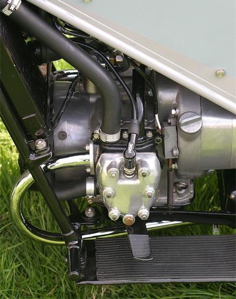 Nostaljik Motosiklet : Velocette LE 3. İçerik Fotoğrafı