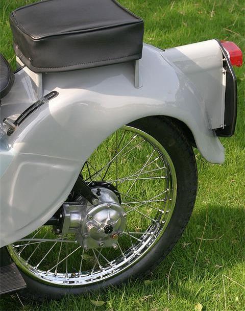 Nostaljik Motosiklet : Velocette LE 4. İçerik Fotoğrafı
