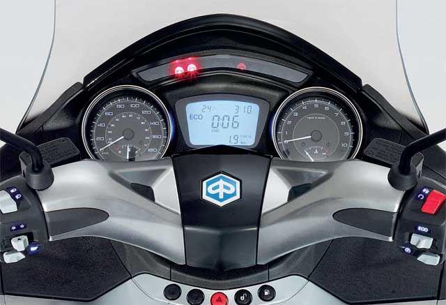 Piaggio X10 350 Executive 1. İçerik Fotoğrafı