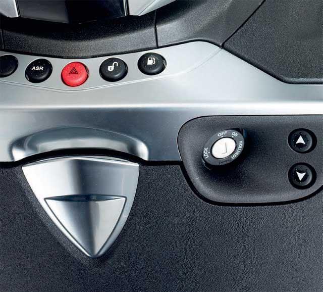 Piaggio X10 350 Executive 2. İçerik Fotoğrafı