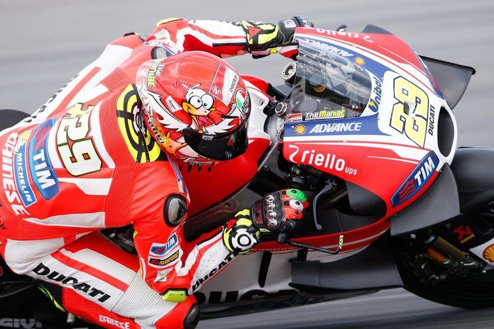 Rossi ve Iannone Yeni Kasklarını Tanıttılar 4. İçerik Fotoğrafı