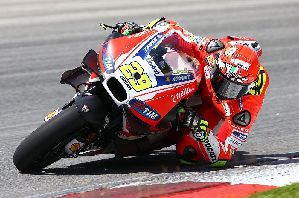 Rossi ve Iannone Yeni Kasklarını Tanıttılar 5. İçerik Fotoğrafı