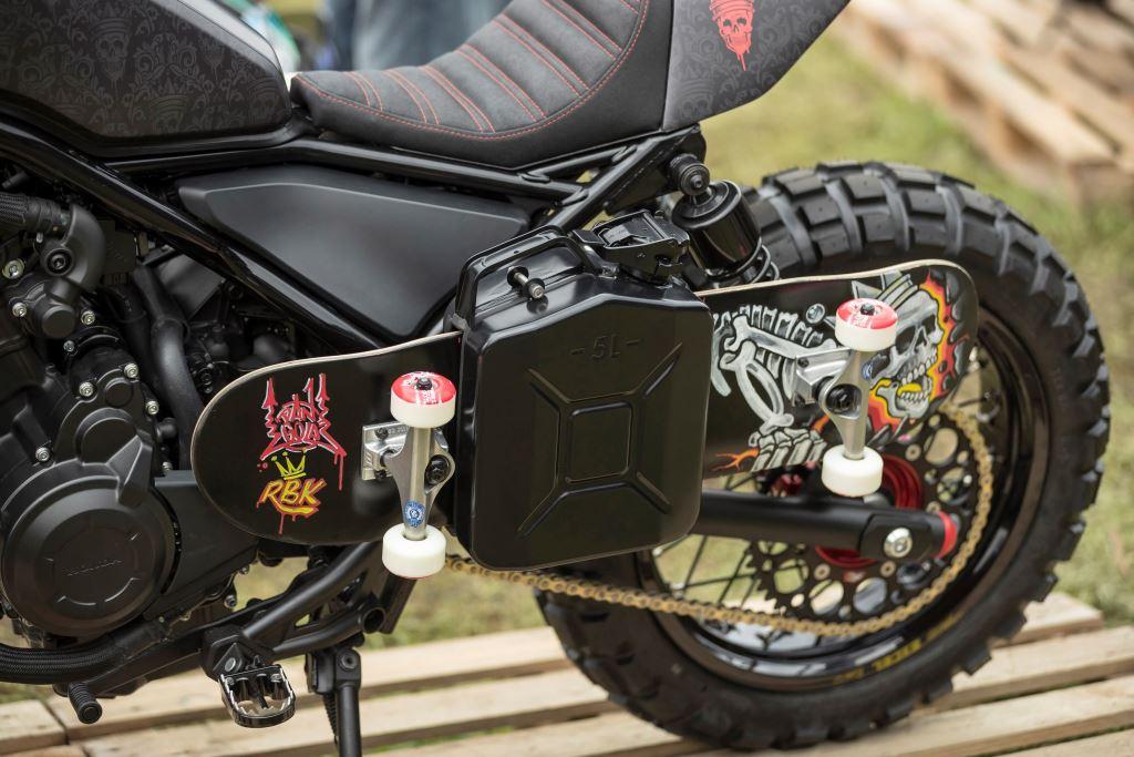 """""""Wheels and Waves"""" Festivaline Honda Custom Modeller Damgasını Vurdu! 5. İçerik Fotoğrafı"""