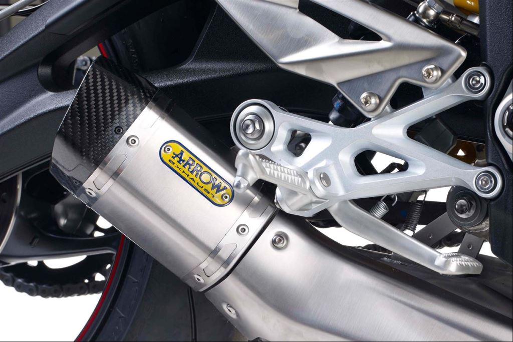 Yeni Triumph Street Triple R Çıplak Sınıfında Güçlü Rakip 4. İçerik Fotoğrafı